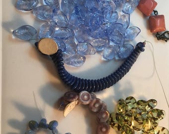 Vintage west german glass beads. 1945-49.