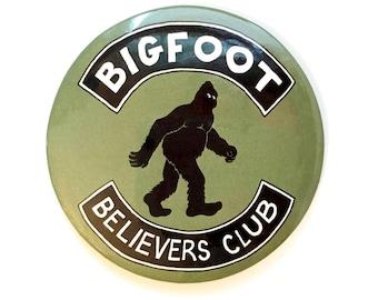 Bigfoot Believers Club Fridge Magnet - Sasquatch, Funny, Nerd, Geek, Retro, Science Fiction, Weird, Monster