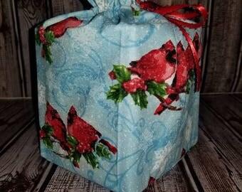 Homemade Christmas cardinals design fabric tissue box cover