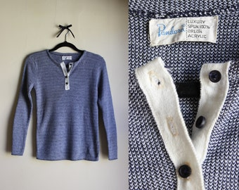Sexy Vintage Knit Henley |||| 1960s ||| Medium ||| Navy and White
