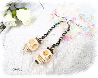 Skulls, skull earrings * BO392