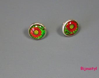 Stud Earrings fancy - 12 mm Cabochon - red flower on green background