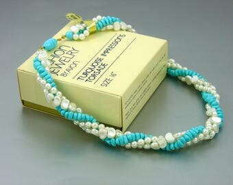 Vintage AVON 'Turquoise Impressions' Torsade Necklace (1983) Original Box. 16 inches. Faux Pearl & Faux Turquoise. Vintage Avon Jewelry.