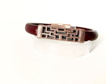 PyXeclipse™ Lona Bracelet For the Fitbit Flex 2 in  Rose Gold and Bordeaux