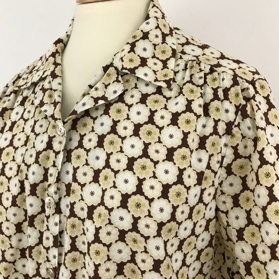 "Vintage plus size blouse spotted daisy 1940s style brown polka dots shirt 40s look cotton WW2 UK 16 plus 46"" chest"