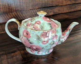 Peppertree Tea Ware Teapot - Full Sized Porcelain Teapot Gold with Rose pattern