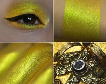 Eyeshadow: Bragging - Nomad. Mustard prismatic eyeshadow by SIGIL inspired.