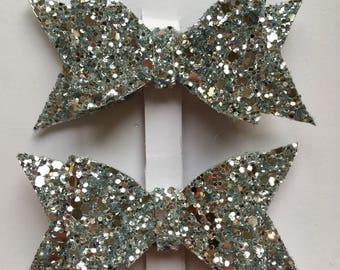 Silver glittery hair clips 7 cm in length