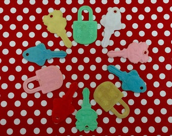 Vintage Teething Baby Keys Toys, Plastic Toy Keys, Altered Art