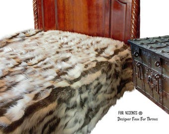 Plush Faux Fur Throw Blanket - Bedspread - Luxury Tibetan Fox Fur with Minky Cuddle Fur Lining - Fur Accents - USA