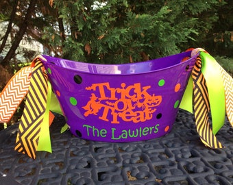 Personalized Halloween Bucket, Halloween ice bucket, Hostess Gift Bucket, Candy Pail, Candy basket, Party Favor, halloween party supply