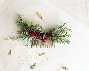 burgundy wedding hair piece, deep red flower hair clip, burgundy red berries comb, floral hair vine, bridal headpiece, winter wedding hair