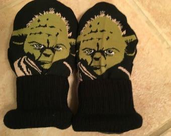 Yoda kids Mittens