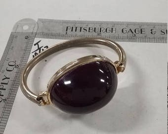 10% OFF 3 day sale Vintage  silvertone  bracelet with  large purple stone latch is loose