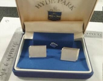10% OFF 3 day sale Vintage  used hyde park cufflink set