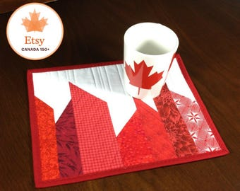 Quilted Mug Rug, Modern Red and White Mug Rug, Canadiana Quilted Snack Mat, Canada 150 Mug Rug, Mini Placemat, Beverage Mat, Mini Quilt