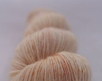 Hand-dyed yarn - sock yarn - superwash - merino - speckles - dyed-to-order - CHAMPAGNE