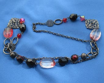 Retro Red & Black Beaded Acrylic Metal Chain Necklace Flaking Beads