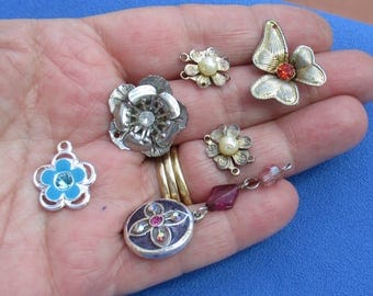 Lot Of Salvaged Flower Pendants Charms