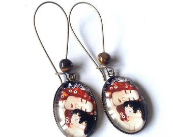 Oval Stud Earrings, cabochons, the mother and child of Gustave Klimt, Tiger eye beads.