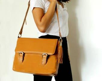 Camel messenger bag, messenger bag women, Leather crossbody bag, leather satchel. Laptop bag, Men's messenger bag