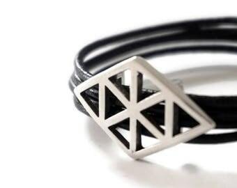 Lozo Rhombus metal bracelet silver leather ties