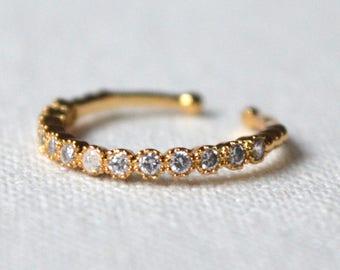 Mid finger ring gold