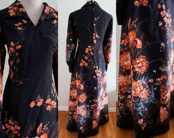 Large Size Vintage Maxi Dress 70s. Beautiful floral print vintage maxi dress.