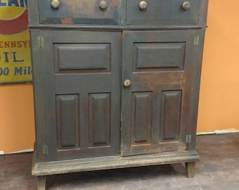 1820s Walnut Germanic Influence Dutch Hudson River Southern Rare Jelly Cupboard Country