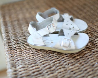 vintage white hearts leather sandals kids 8