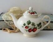 Strawberry Teapot, Vintage Nantucket Home Tea For One Single Serve Teapot