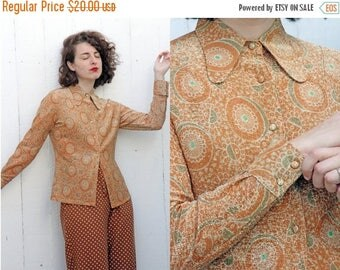30% OFF SALE Vintage 70s Blouse | 70s Printed Lurex Glitter Long Sleeve Button Down Blouse | Small S