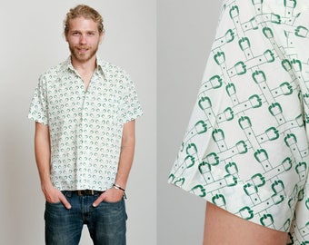 1970s White and Green Belt Buckle Criss Cross Print Short Sleeve Button Down • S/M