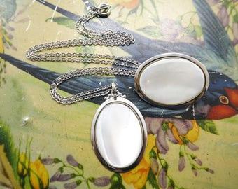 Vintage Mother of Pearl Necklace, Brooch Set