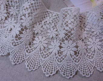 1 Yard Vintage style Cotton Crochet Lace Trim 11cm Wide Lovely Heart #612