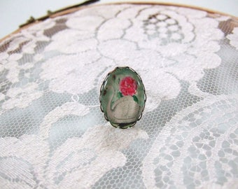 Ring cabochon oval White Swan and her blush