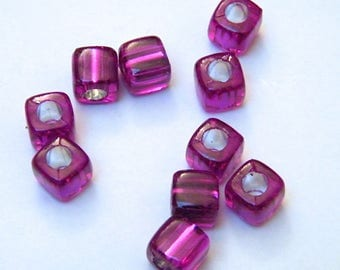 Violets, synthetic, cubes, in packs of 10 beads