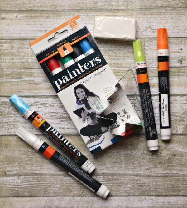 Paint pens paint markers permanent acrylic for painting for Paint pens for wood crafts