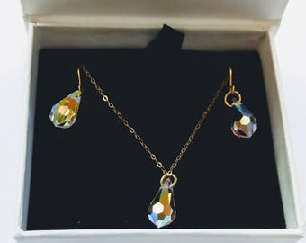 9ct Gold Swarovski Crystal Necklace and Earrings Set