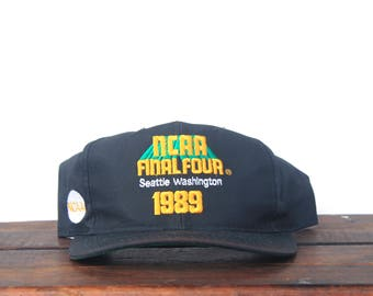 Vintage Sports Specialties 1989 NCAA Final Four College Basketball Seattle Washington Michigan Wolverines Snapback Hat Baseball Cap