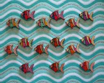 Set of 5 wooden fish buttons