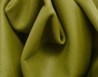 "Gallant Olive Green ""Signature"" 26.2 Square Foot 2-2 1/2 oz Leather Cow side DE-63659 (Sec. 9,Shelf 2,A)"