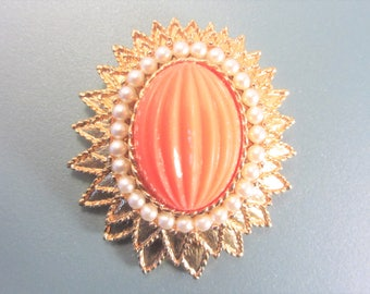 Vintage Emmons High Domed Brooch 60s