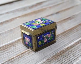 Vintage. Pill box. Trinket. Beautiful little piece. Blue and pink. Cute!