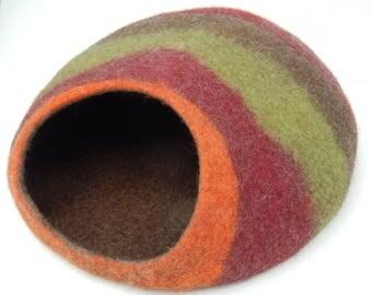 Handmade Felted Wool Cat Cave, Cat House. Made by Feltingstudio in Einburgh, SCOTLAND