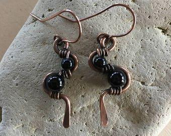 Black Onyx weave earrings - Copper - Wire Wrapped - Handmade - Beaded - Artisan Jewelry