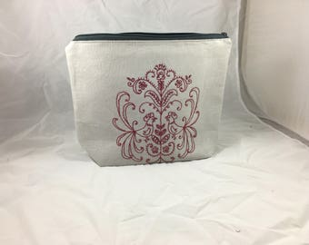 Hand Embroidered  Linen Project Bag - Zippered