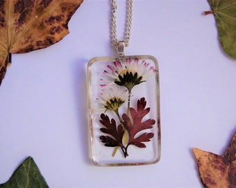 Resin Jewelry Dried Daisy