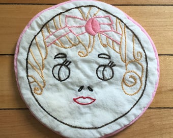 Vintage 1950s Quilted Embroidered Girl Face Pot Holder Hot Pad!