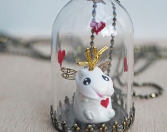 collier sautoir ou globe décoratif en verre Hubert mon hamster à cornes et coeurs